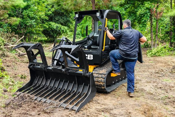 JCB | Compact Track Loaders | Model 270T for sale at Cisco Equipment, Texas and New Mexico