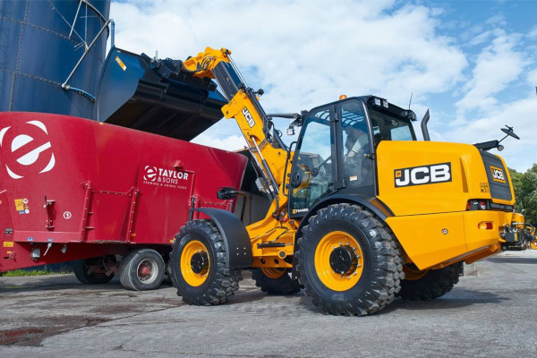 JCB | Articulated Telescopic Handlers | Model TM420 for sale at Cisco Equipment, Texas and New Mexico